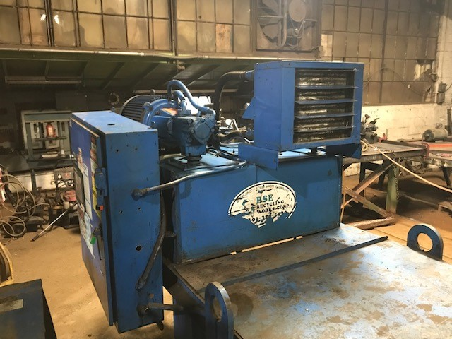 8720 Balemaster 30 hp power unit