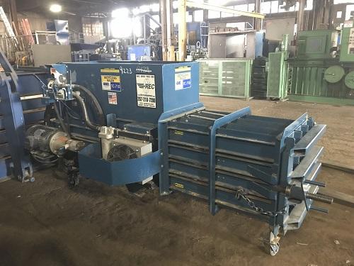 9223 3 TSI TC710 Closed End Horizontal Baler