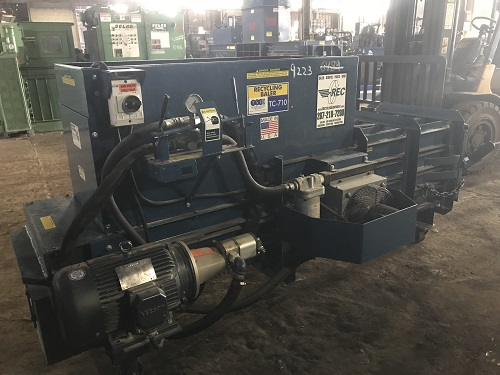 9223 4 TSI TC710 Closed End Horizontal Baler