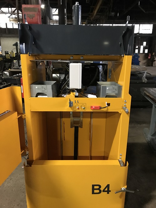 8750 9 Bramidan B4 Vertical Downstroke Baler
